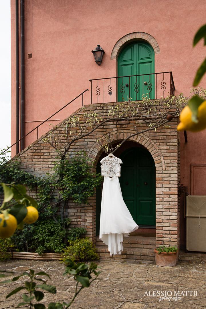 Abito sposa matrimonio country agriturismo firenze - fotografo matrimonio Toscana