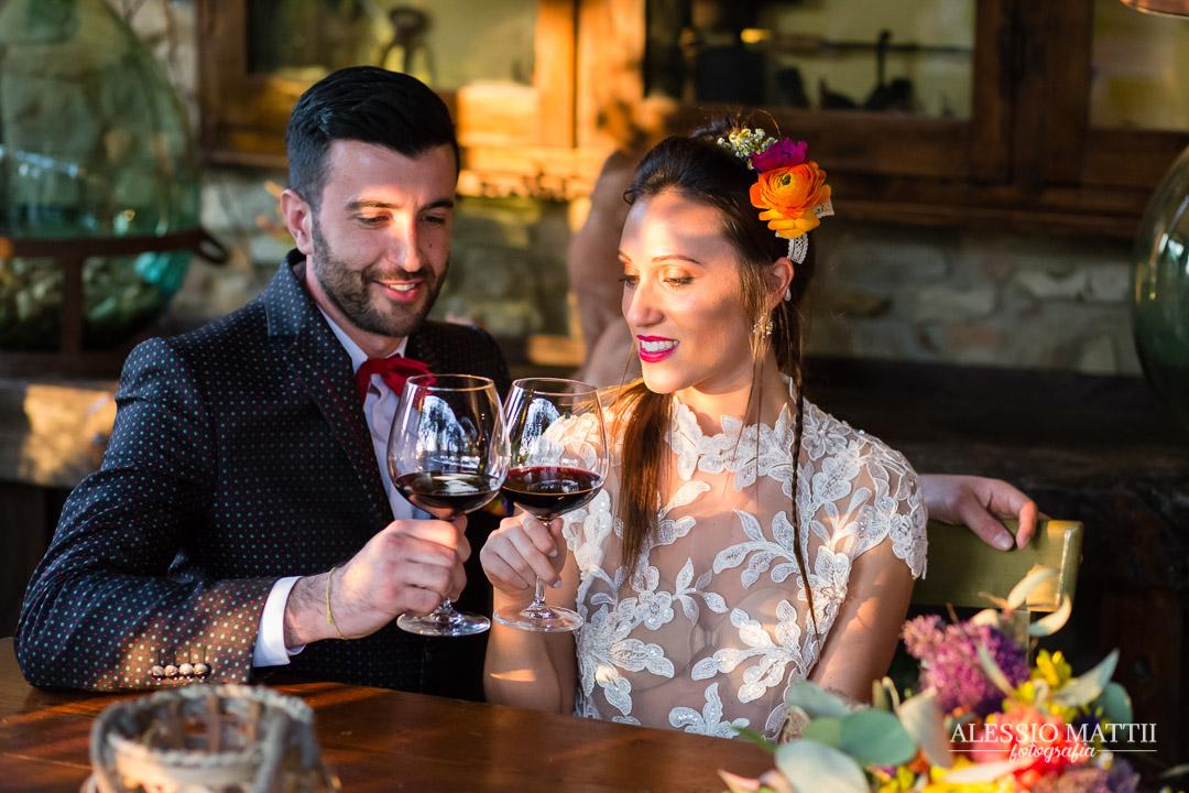 Brindisi matrimonio country in Toscana - Alessio Mattii Fotografo matrimonio toscana
