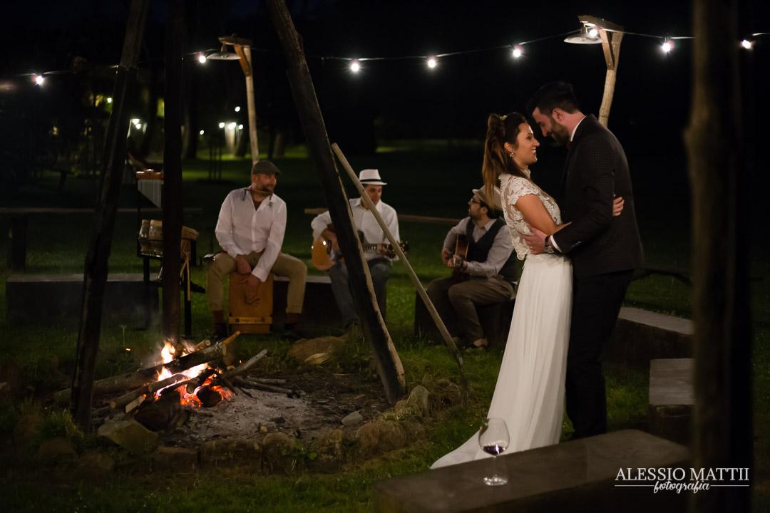 Campfire matrimonio country in Toscana - Alessio Mattii Fotografo matrimonio toscana