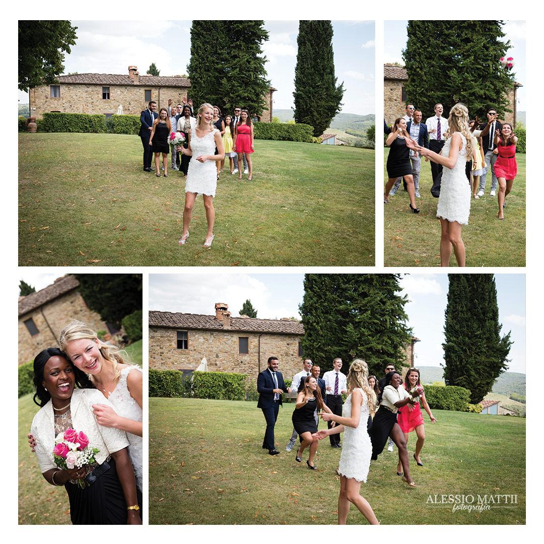 Lancio bouquet sposa. Fotografo matrimonio Toscana Lucca Pistoia Pisa Siena