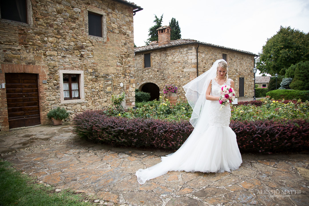 Preparativi sposa matrimonio Pomarance Toscana - fotografo matrimonio Toscana Pisa