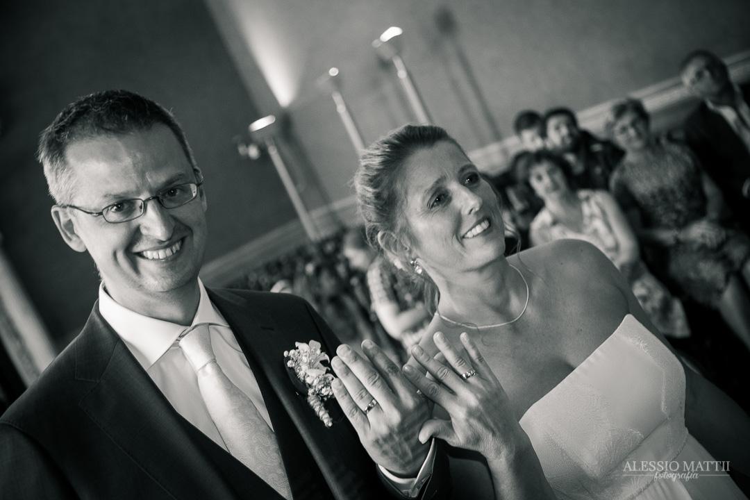 Scambio delle fedi nuziali. Fotografo matrimonio Toscana Lucca Pistoia Pisa Siena