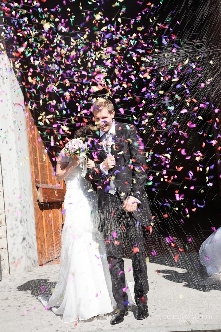 Cerimonia lancio riso coriandoli matrimonio Firenze Toscana Cerimonia scambio anelli matrimonio Firenze - fotografo matrimonio Toscana