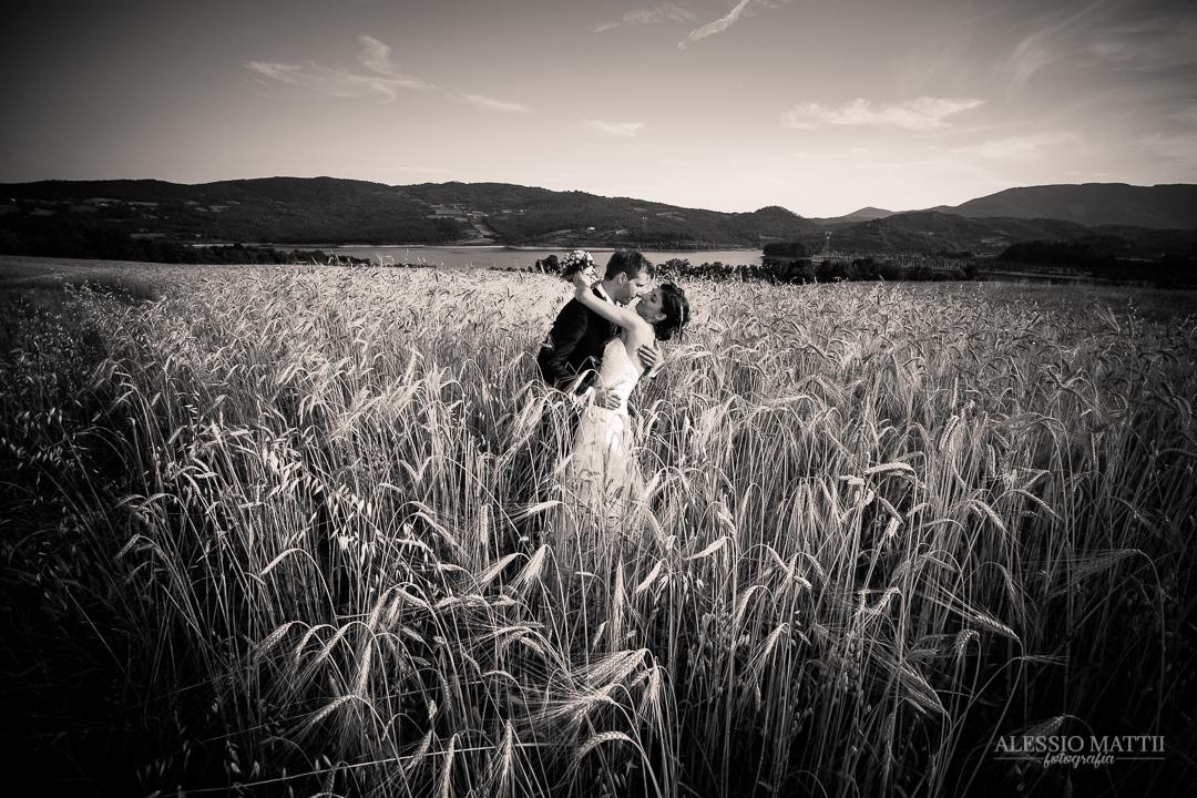 Bacio coppia sposi matrimonio Firenze Toscana - fotografo matrimonio Toscana