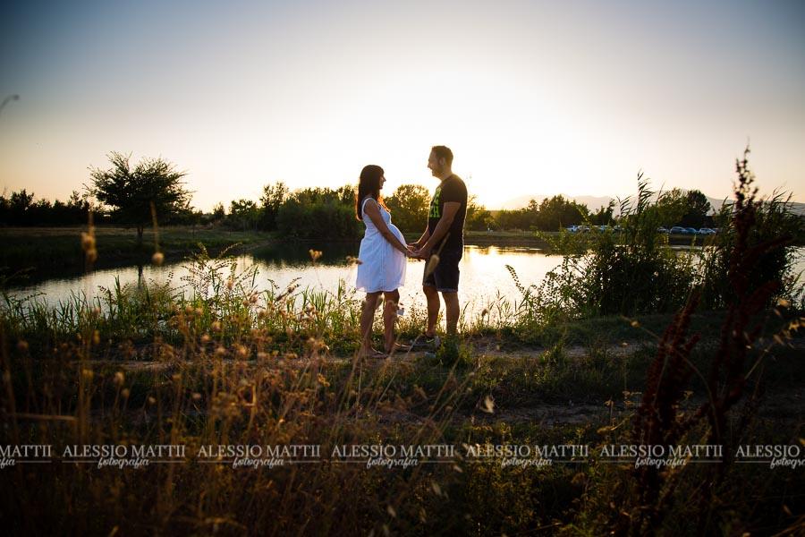 Fotografo gravidanza in campagna Pisa Toscana